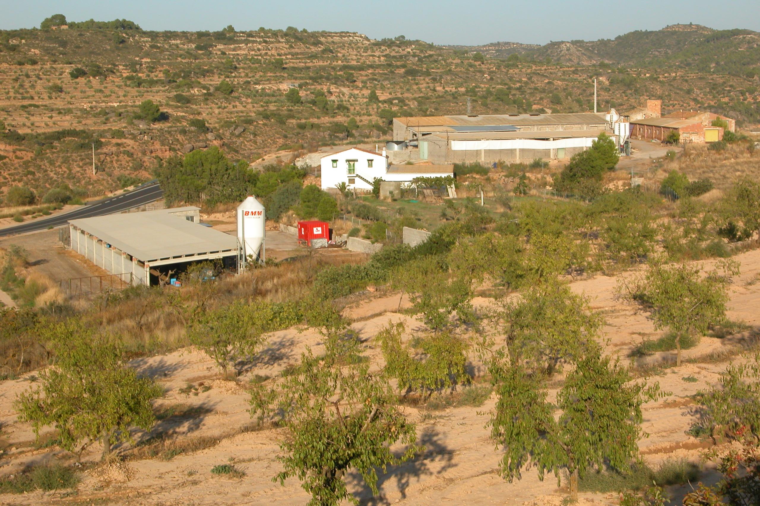 <p><strong>Unitat de Paisatge: </strong>Garrigues Altes<strong><br /> </strong></p> <p><strong>Municipi:</strong>L'Albagés</p> <p><strong>Autor: </strong>Observatori del Paisatge de Catalunya</p> <p><strong>Crèdit:</strong> Arxiu d'imatges de l'Observatori del Paisatge de Catalunya</p> <p><strong>Reproducció:</strong> CC BY-NC-ND 4.0</p>  <a href='http://arxiu.catpaisatge.net/wp-content/uploads/2019/04/l.Albages-Garrigues-Garrigues-Altes.jpg'' class='download-button' download>Descarrega</a> <a href='http://arxiu.catpaisatge.net/cercador/?details.vm?q=id:0000005404' target='blank' class='fitxa-button' >Fitxa</a>